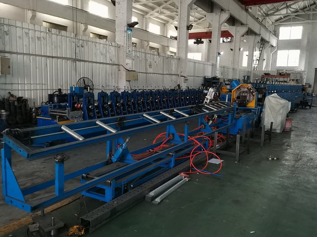 upright post roll forming machine